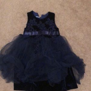 Girl dress size 3